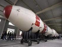 Roket Peluncur Misi Luar Angkasa China